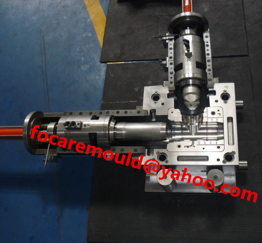 cross fitting mold collapsible